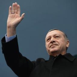 Erdoğan tęskni za sułtanatem