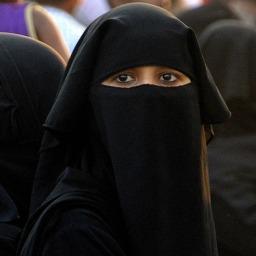 "Muzułmański ""dress code"" — historia, kultura i prawo"