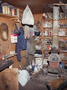 Wnętrze chatki Kaczynskiego