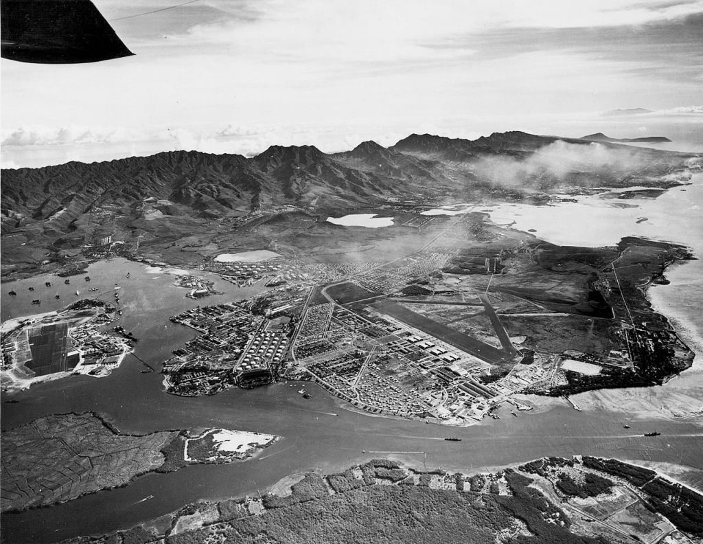 1280px-Aerial_view_of_Pearl_Harbor_and_Hickam_AFB_Oct_1940