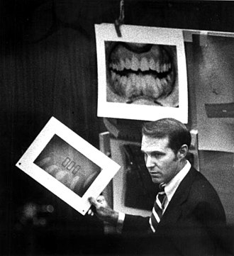 330px-Dental_evidence_ted_bundy