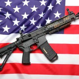 Dostęp do broni palnej. Śmiertelne żniwa amerykańskiego hobby