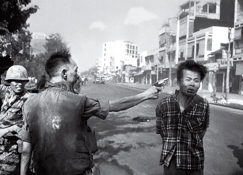 Śmierć w obiektywie. Sajgon, 1968. Fot. Eddie Adams AP